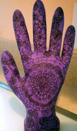 Maddie's Art-Glove (2)
